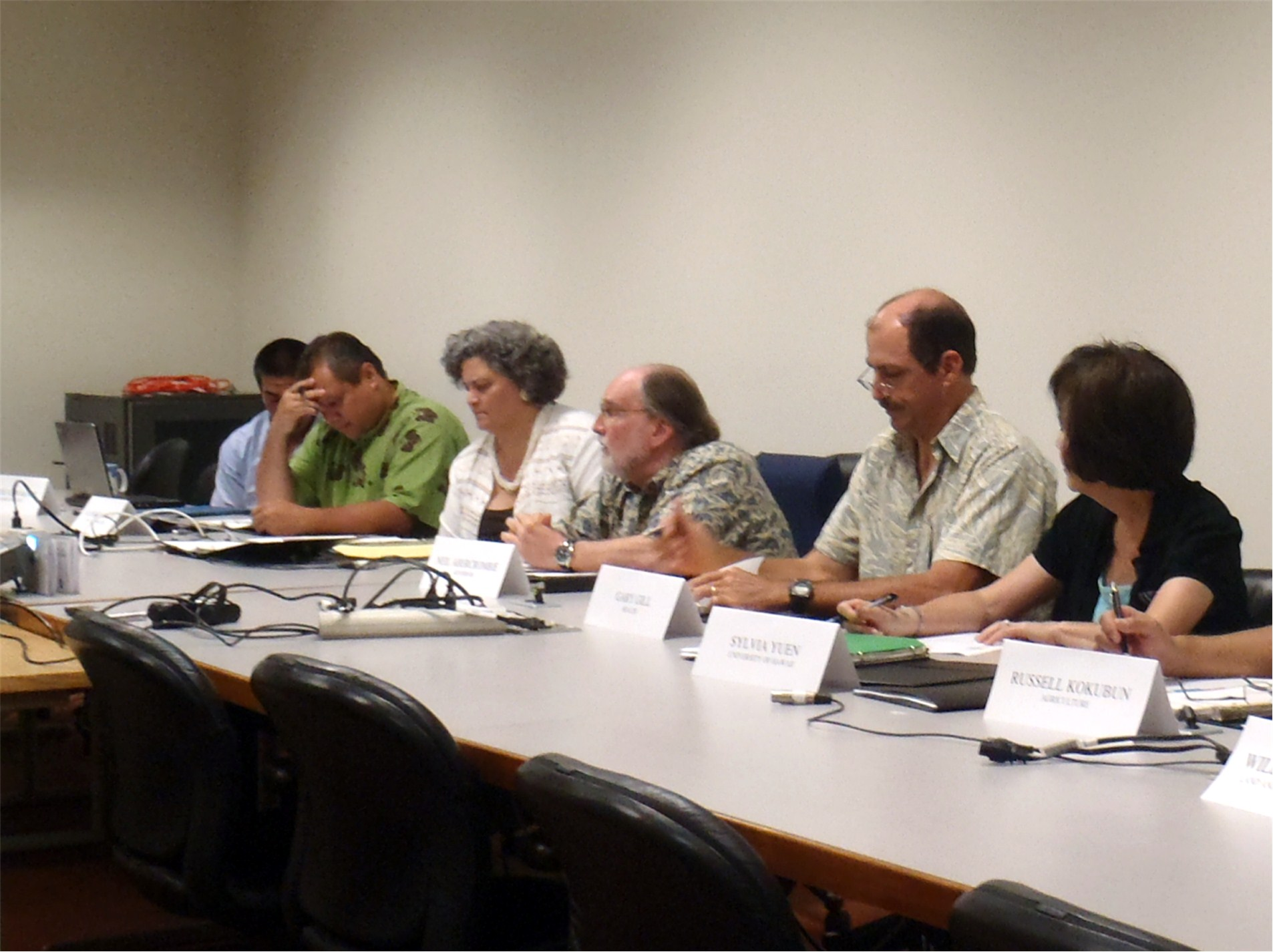 Governor Neil Abercrombie convenes the first HISC meeting under his administration in June of 2011. With the Governor are (l to r) Representative Derek Kawakami, Alapaki Nahele-a (DHHL), Keali'i Lopez (DCCA), Gary Gill (DOH), and Sylvia Yuen (UH).